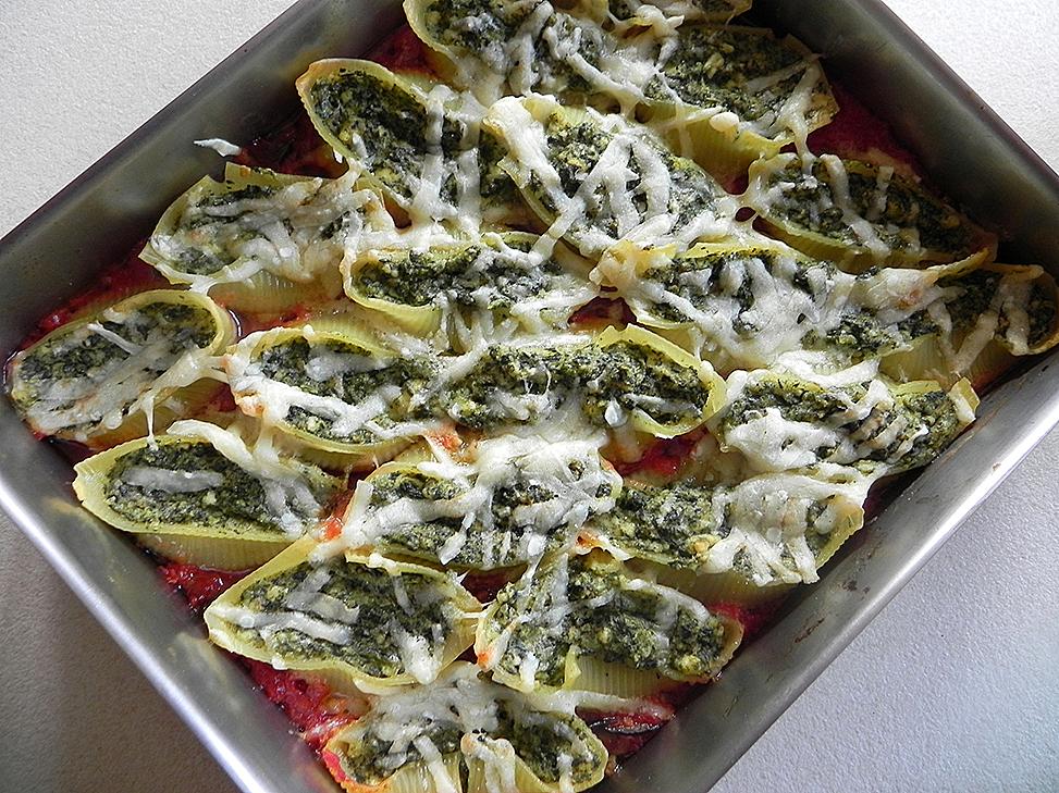 Spinach and ricotta conchiglioni