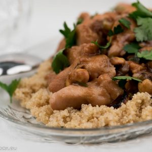 Chicken and quinoa with pistachios