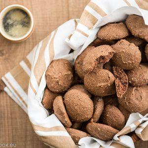 бисквити с какао и кашу без мазнина