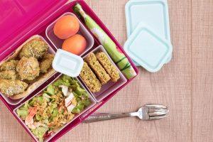 Lunchbox menu кюфтенца от грах