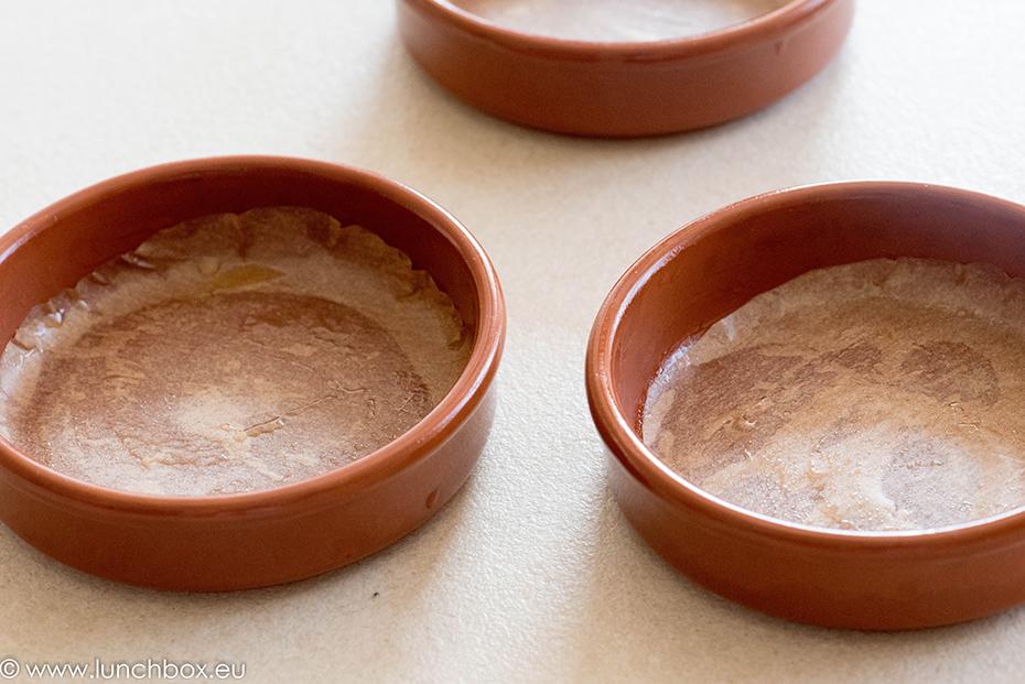 Мини тарти от овесени ядки с кисело мляко и плодове