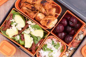 Lunchbox меню Мариновани пилешки шишчета в кокос