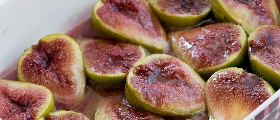 Печени смокини с мед и канела