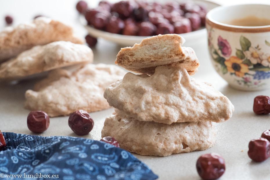 Бързи бисквити Амарето с 3 продукта