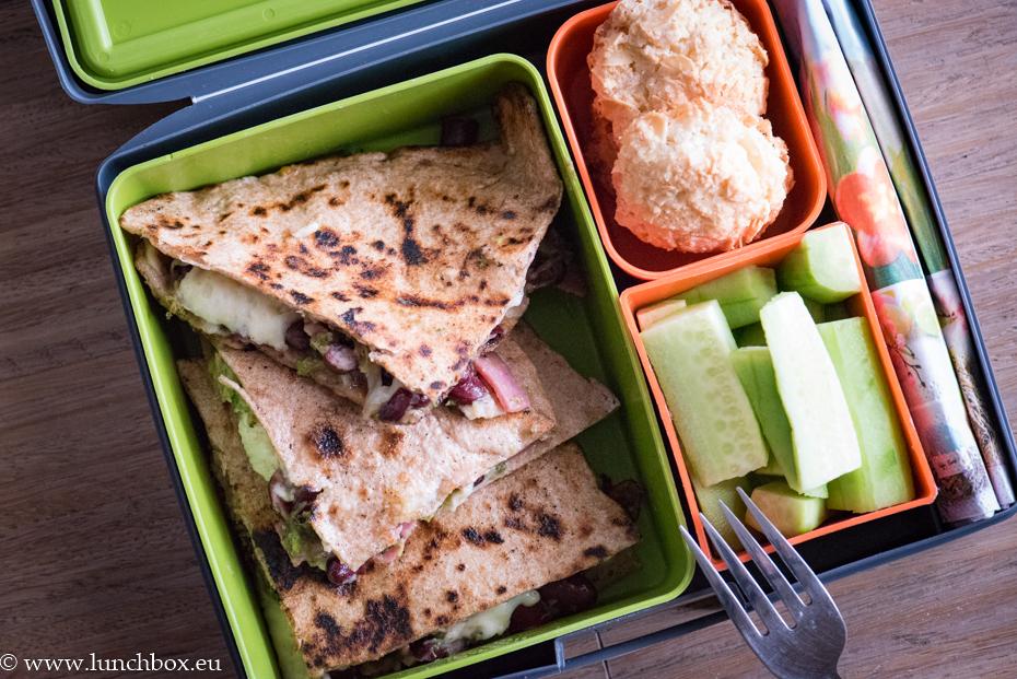 Lunchbox menu: Каседилия с броколи