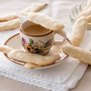 Бисквитки Котешко езиче с три продукта