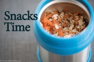 breakfast-muesli-in-lunchbox-thermos-jar