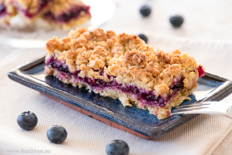 healthy blueberry bars for Lunchbox