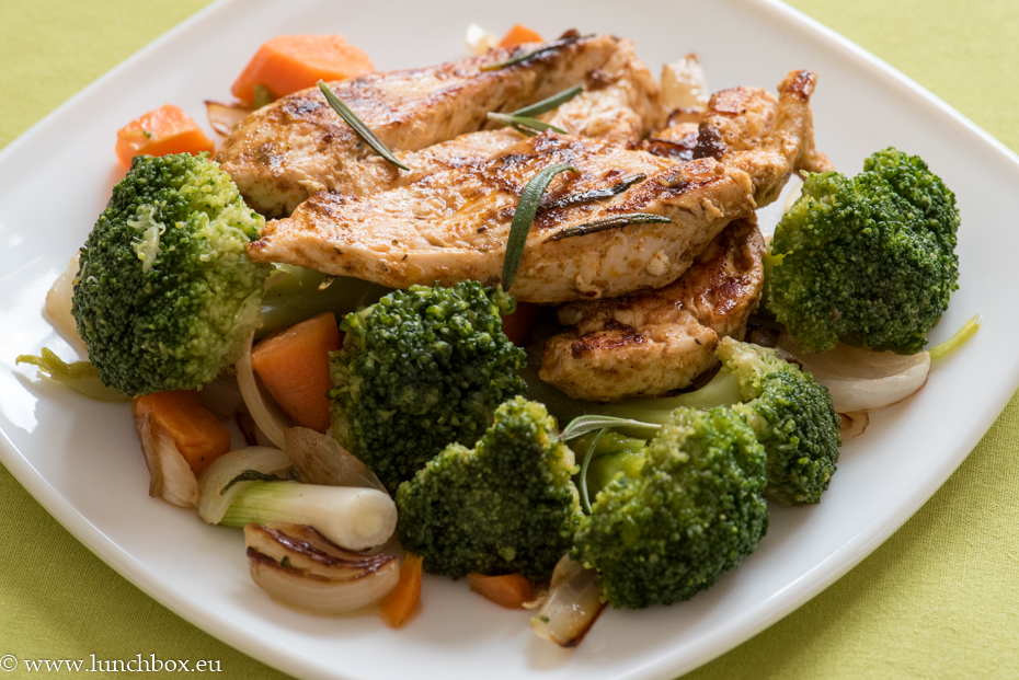 chicken and broccoli with rosmary