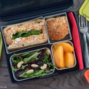 pumpkin-tart-in-lunchbox