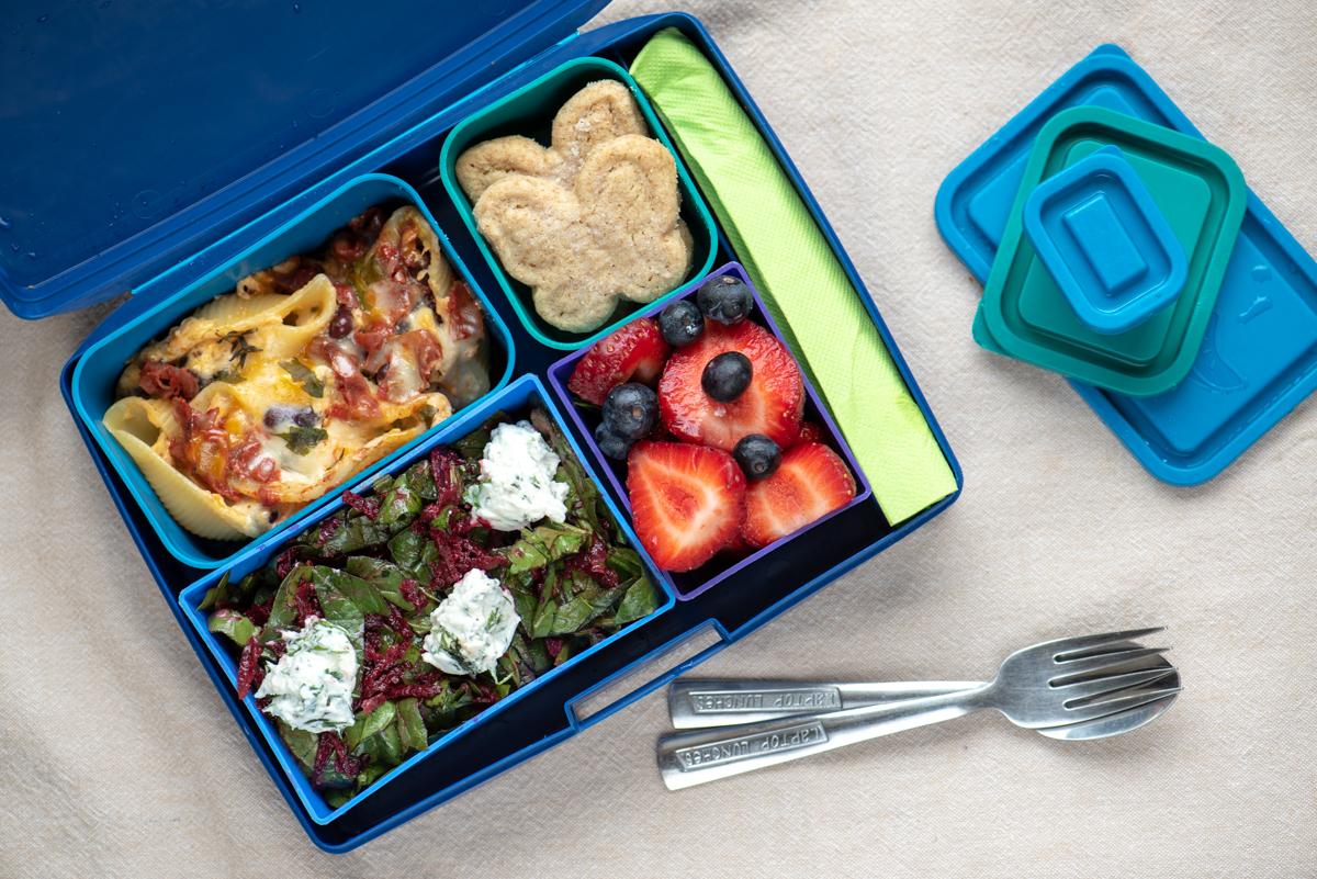 Lunchbox_Пълнени конкилиони със сирена