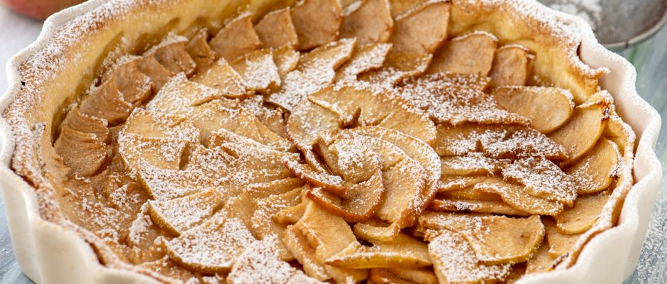 French classic apple pie