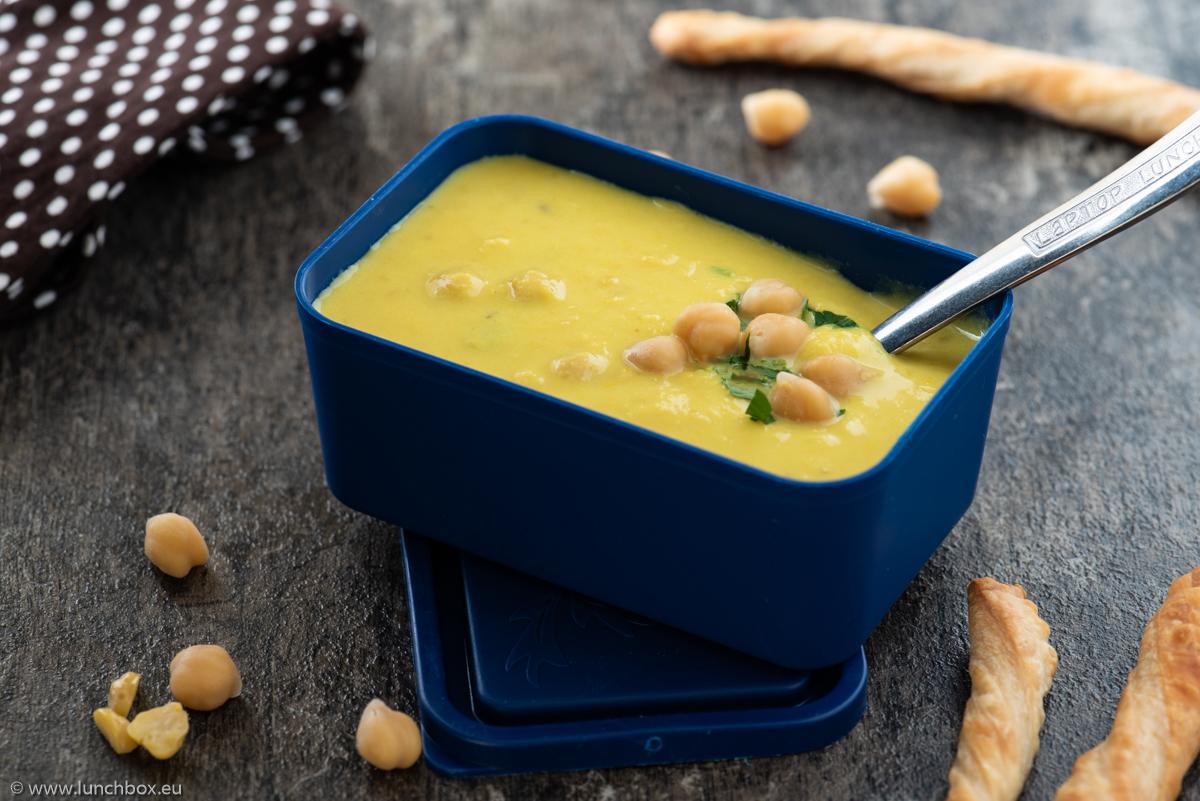 Зимна, нахутена супа с чушки