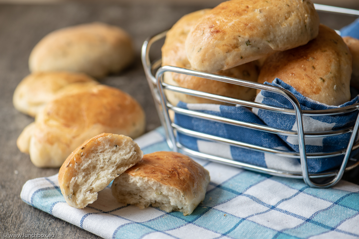 Italian Herb Bread Rolls