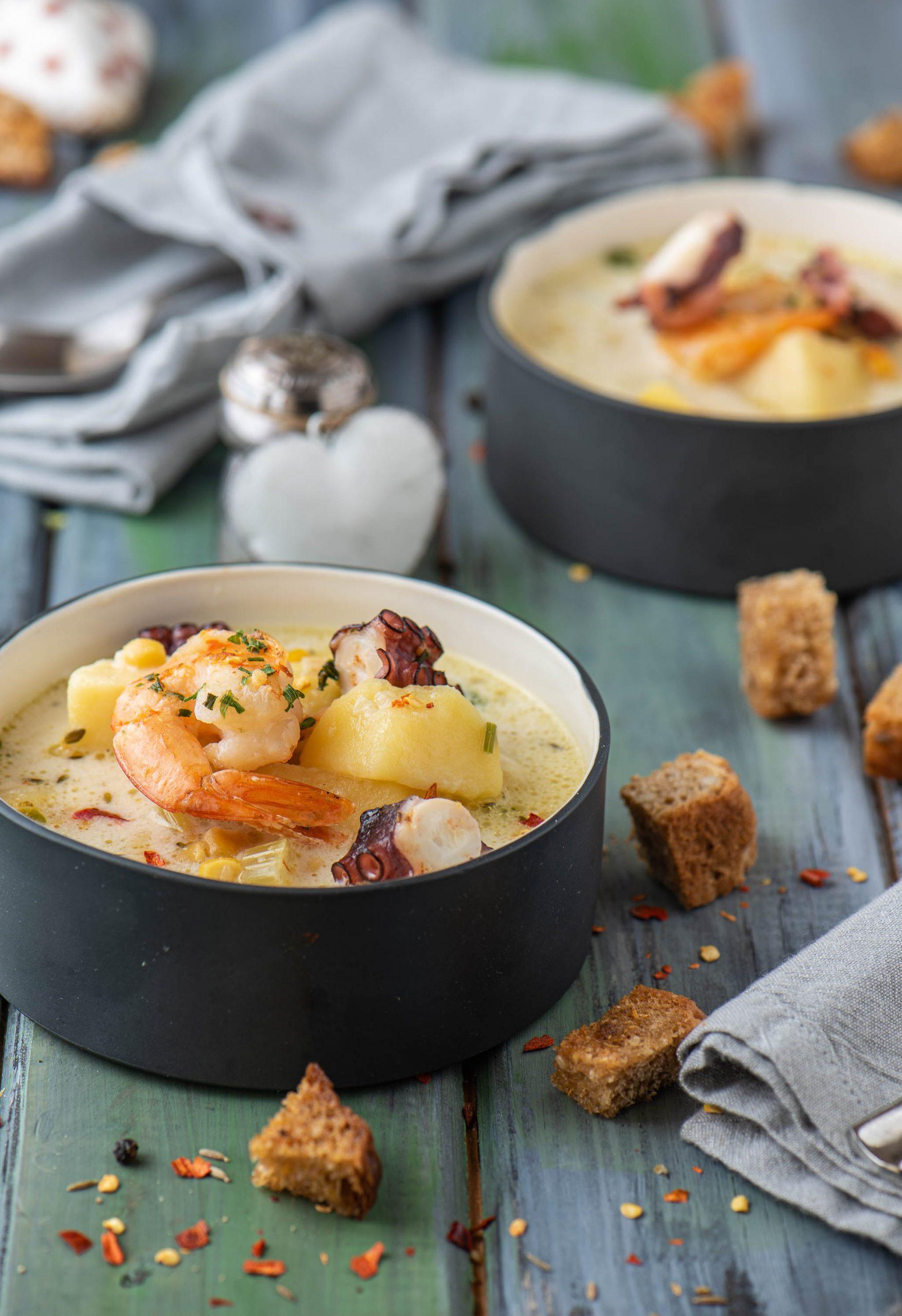 Супа с октопод и скариди