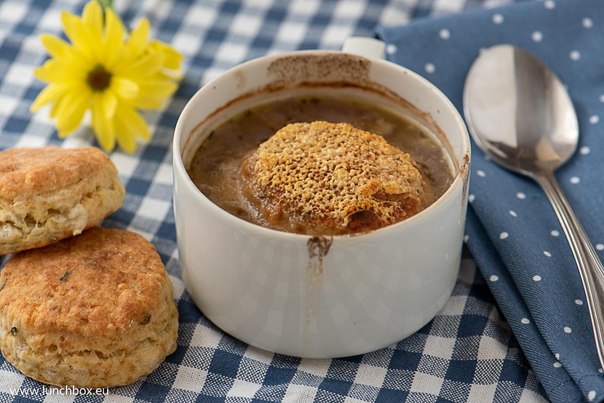 Класическата френска лучена супа