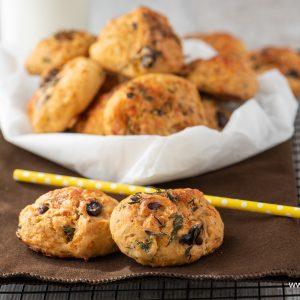 Lunchbox Recipes I хлебчета с маслини