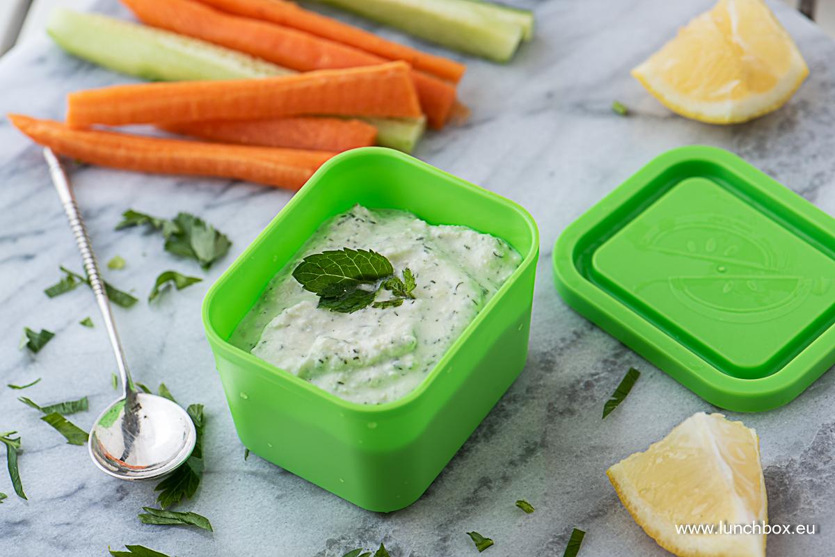 Кутия за хранене Lunchbox Перфектния дип за летните зеленчуци