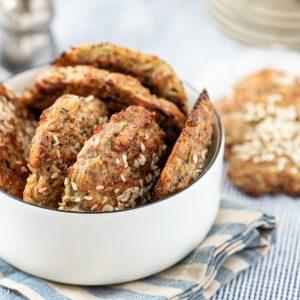 Хляб от хрупкави тиквички с орехи и пармезан